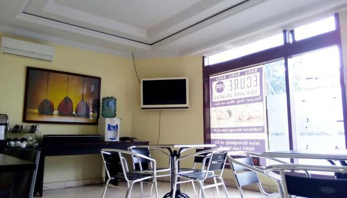 Quint Hotel Manado - lounge
