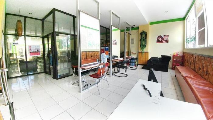 Quint Hotel Manado - Salon
