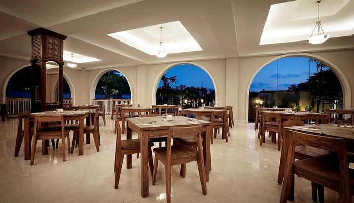 The Westlake Resort Yogyakarta - kelapa resto