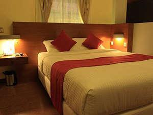 Lovender Guest House Malang - Deluxe Double Bed
