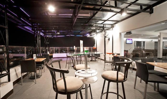 Continent Centrepoint Panakkukang - Lounge