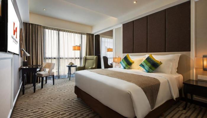 Swiss-Belhotel Yogyakarta - Deluxe Queen Green Style