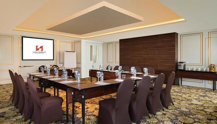 Swiss-Belhotel Yogyakarta - Janaka Meeting Room