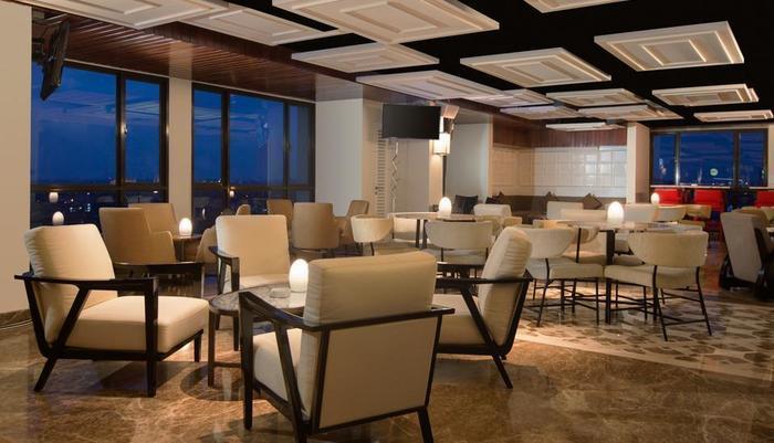 Swiss-Belhotel Yogyakarta - Chadis Bar 2