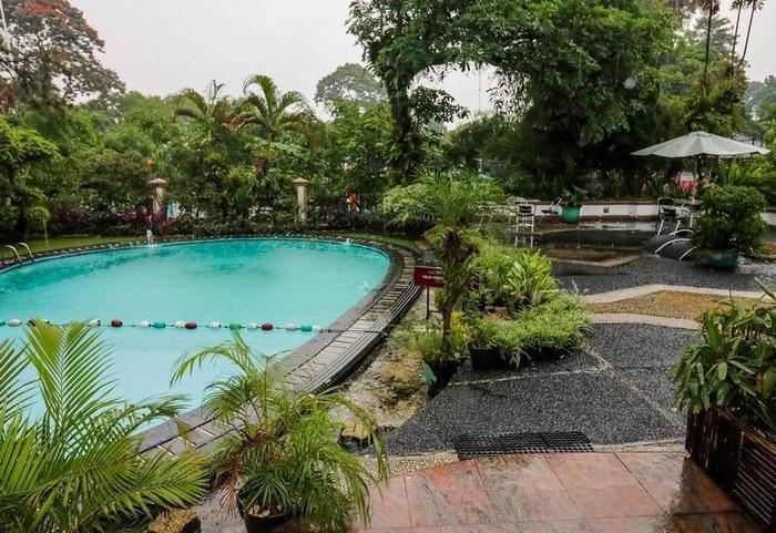 NIDA Rooms Bogor Jalan Pangrango 246 Bogor - Kolam Renang