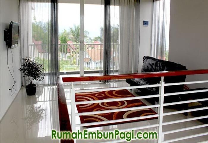 Rumah Embun Pagi Malang - Balkon