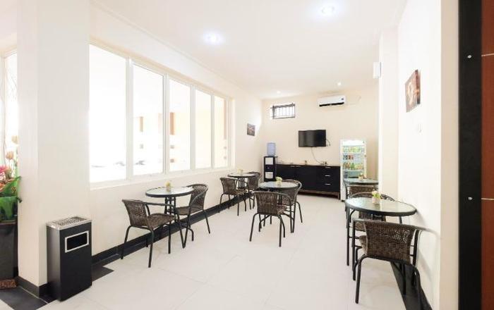 La Riss Guesthouse Makassar - Resto