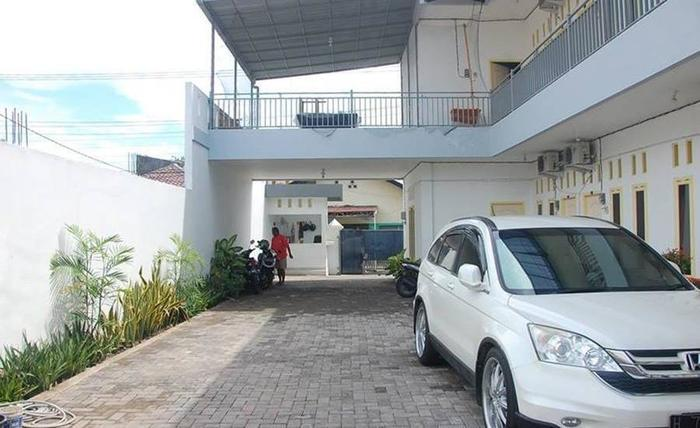 Kost By U Semarang - Eksterior