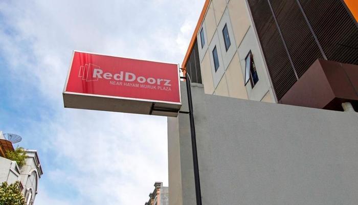 RedDoorz Near Hayam Wuruk Plaza Jakarta - Eksterior