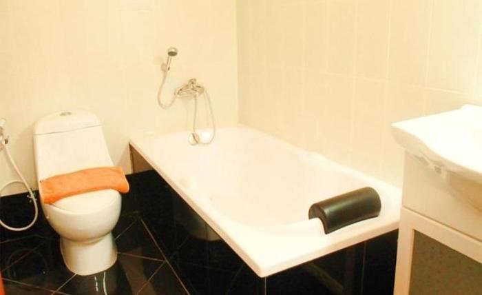 Pia Hotel Cirebon Cirebon - Kamar mandi