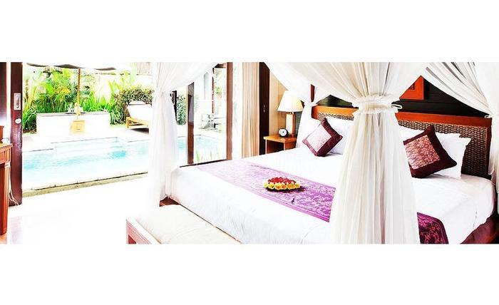 The Sanyas Suite Bali - Kamar tidur di Junior Suite Villa