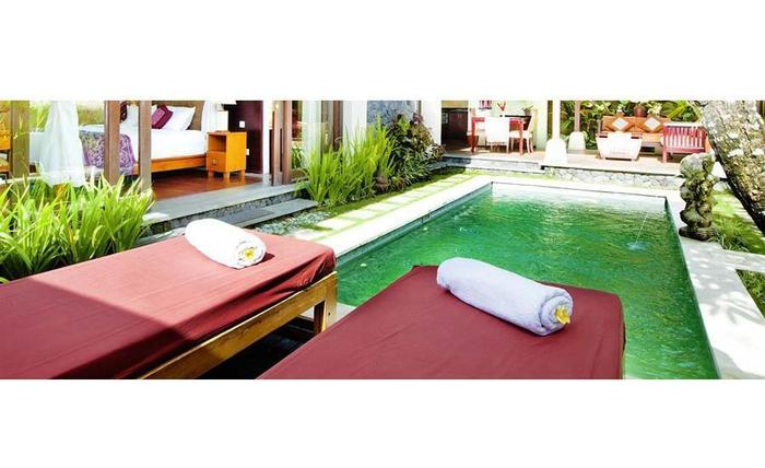 The Sanyas Suite Bali - Kolam renang di Villa Deluxe Suite
