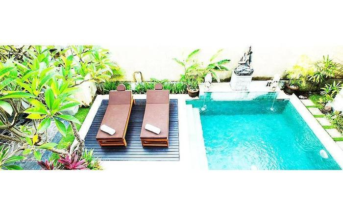 The Sanyas Suite Bali - Kolam renang di Villa Suite Eksekutif