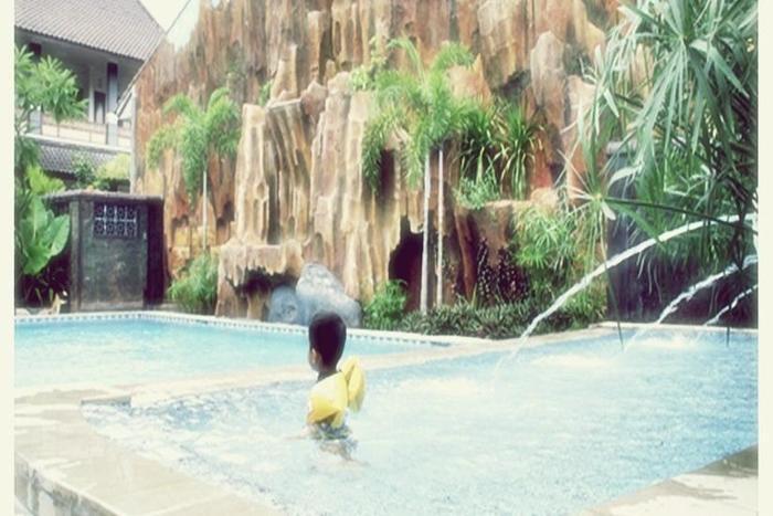 Hotel Mahkota Plengkung - Kolam Renang