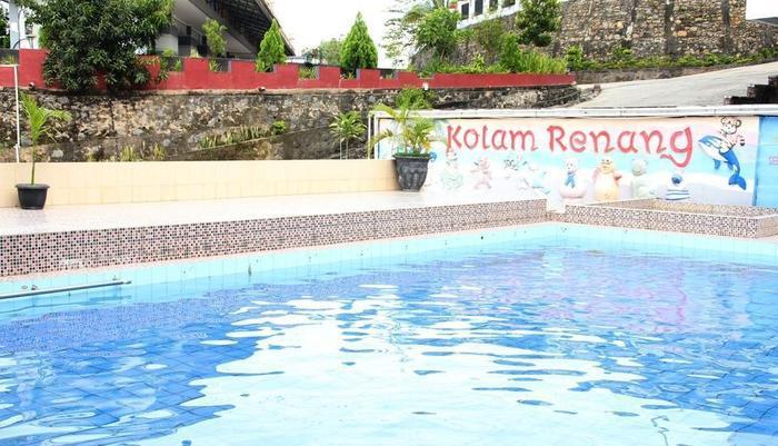 Hotel Bukit Indah Lestari Baturaja - Kolam Renang Outdoor