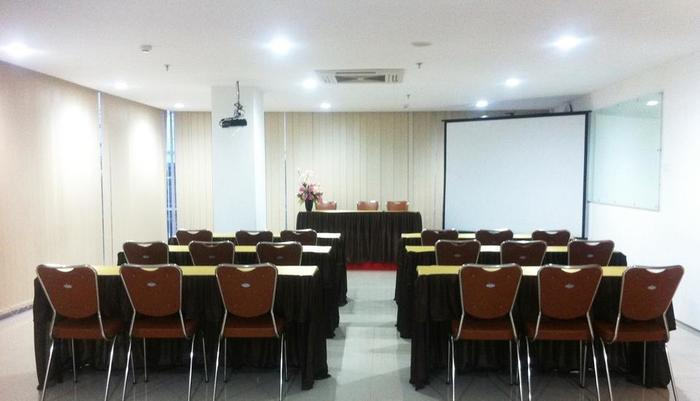 Evora Hotel Surabaya - Ruang Rapat