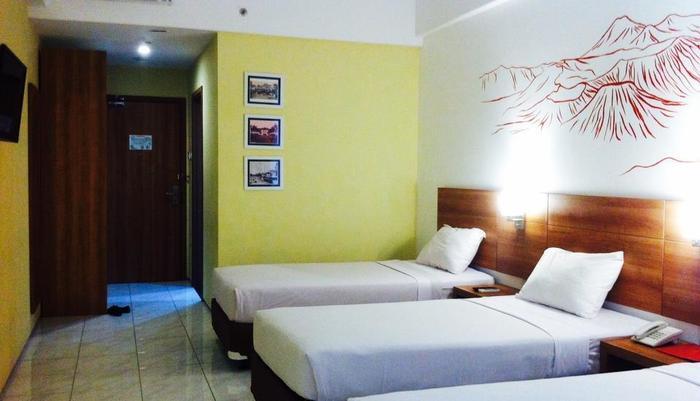 Evora Hotel Surabaya - Family
