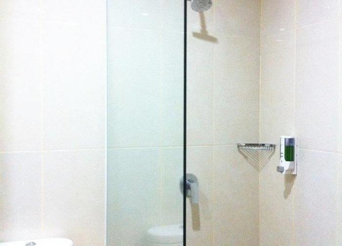 Evora Hotel Surabaya - Bathroom