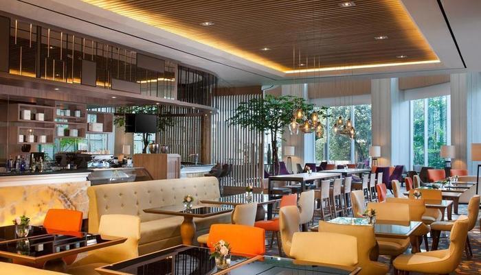 Crowne Plaza Bandung Bandung - Restaurant