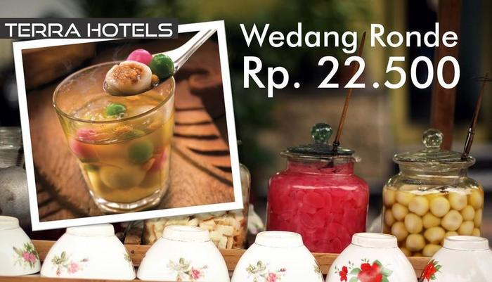 Summer Hill Private Villas & Family Hotel Bandung - Food & Beverage