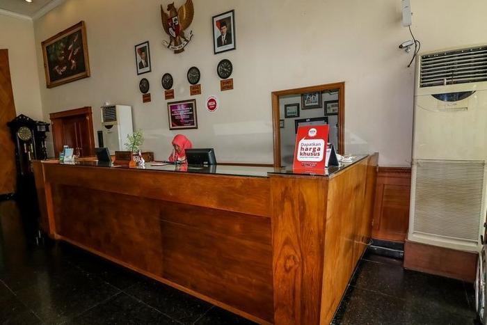 NIDA Rooms Jaksa Agung Genteng - Resepsionis