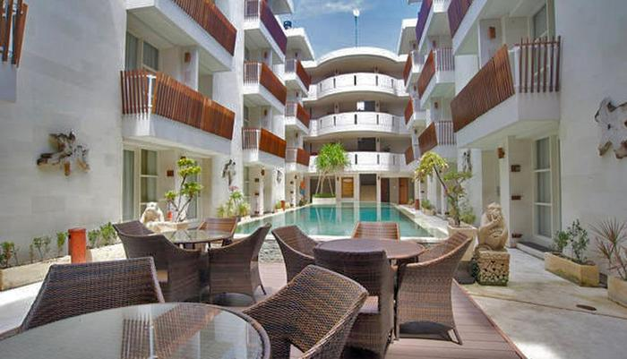 Adhi Jaya Sunset Hotel Bali - Swimming pool