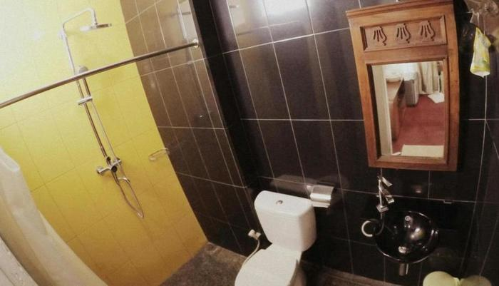 Amali Hotel Padang - Kamar mandi