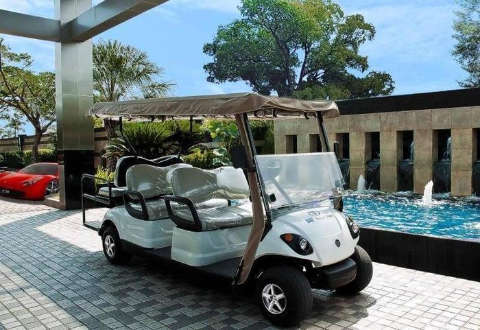 FM7 Resort Hotel Jakarta - Golf Car