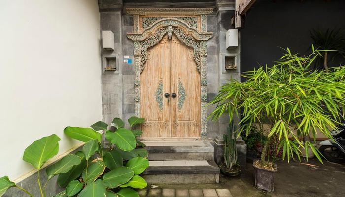 RedDoorz @Danau Meninjau Sanur Bali - Eksterior