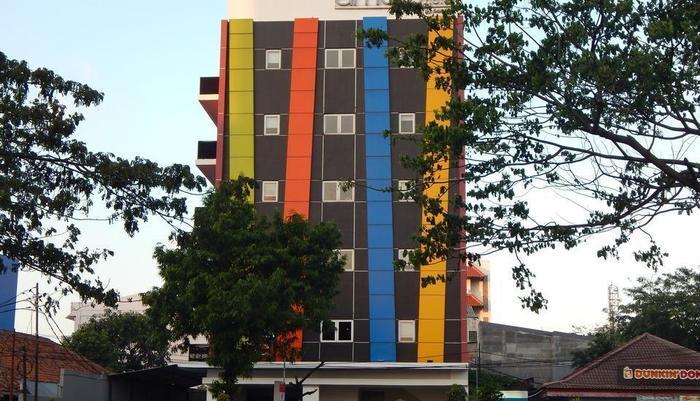 Hotel Amaris Senen - TAMPAK DEPAN