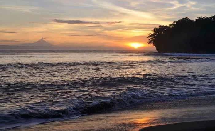 Beach Corner Pangandaran - Pantai