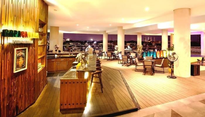 Golden Tulip Pontianak - Copacabana Pool and Lounge