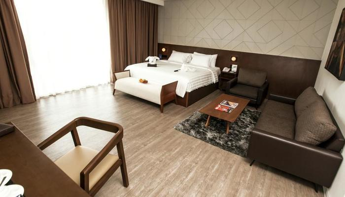 Golden Tulip Pontianak - Junior Suite