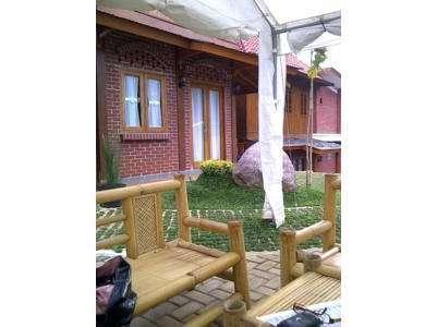 Villa Bantal Guling Bandung -