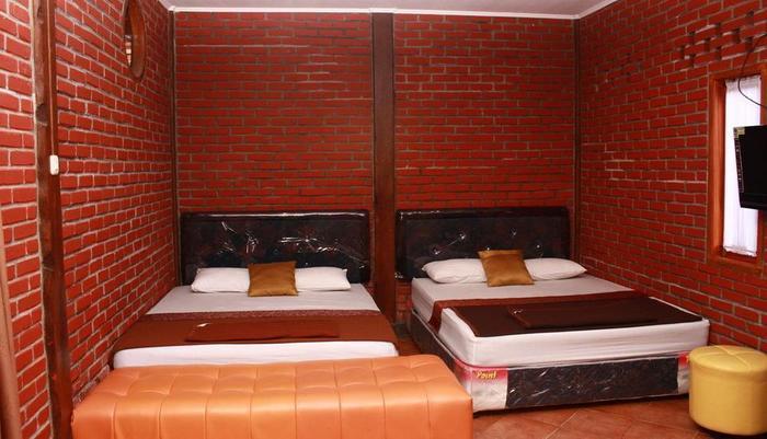 Villa Bantal Guling Bandung - Keluarga 6, (guling bawah)