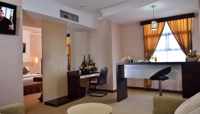 Uny Hotel Yogyakarta - Suite Room