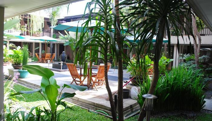 Hotel Guntur Bandung - Garden