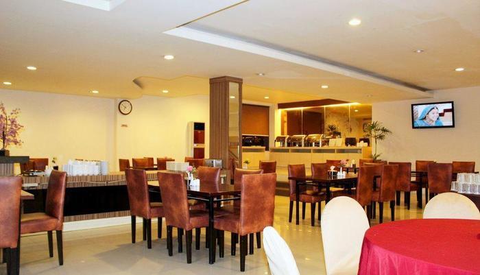 ZEN Rooms Lanto Daeng Pasewang Makassar - Restoran