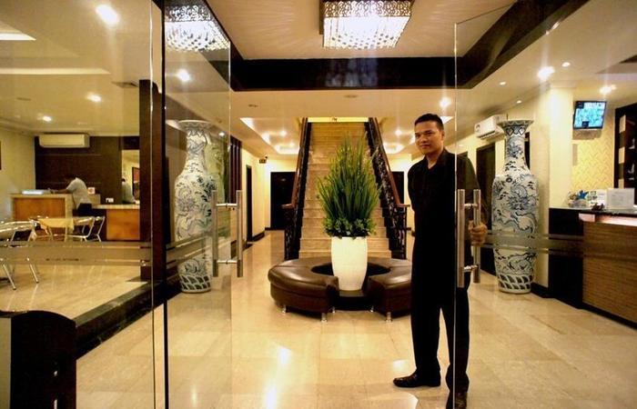 Sky View Hotel Batam - Welcome