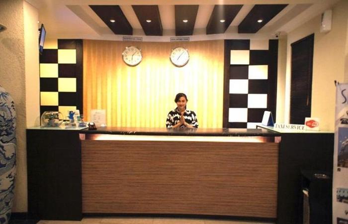 Sky View Hotel Batam - Reception