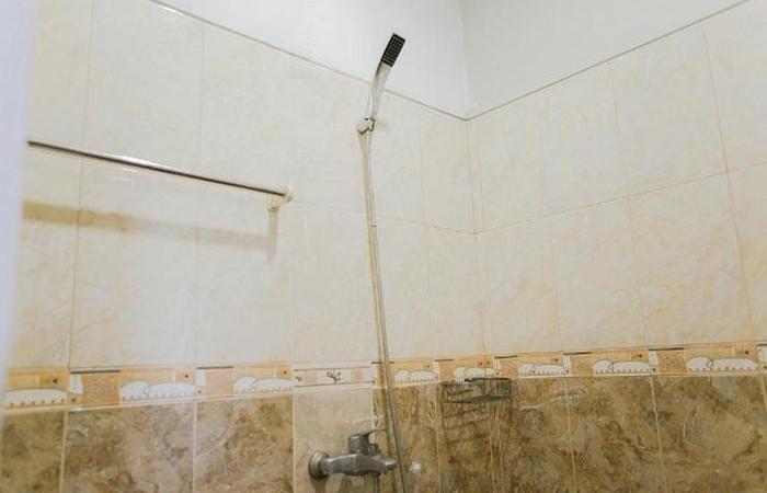 Ardhya Guest House Surabaya - Kamar mandi