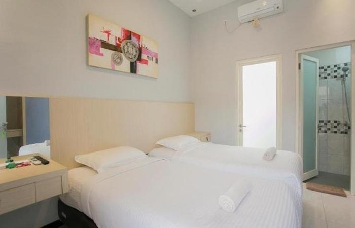 Ardhya Guest House Surabaya - Twin Bed