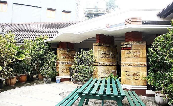 ZenRooms Sukajadi Sindang Sirna - Ruang makan outdoor