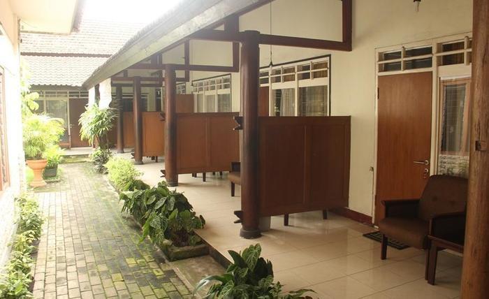 RedDoorz Plus @ Pejanggik Mataram Lombok -