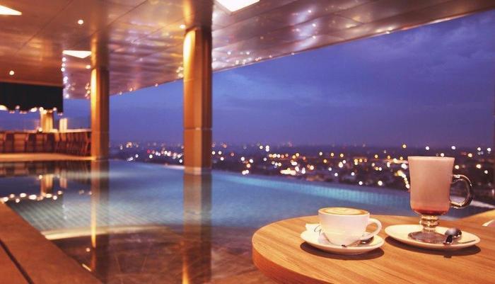 FOX HARRIS Hotel Pekanbaru - Pool BBQ