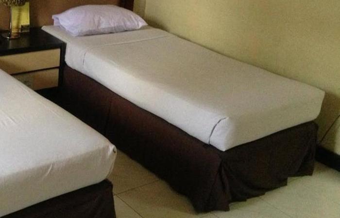 Hotel & Restaurant Bandung Permai Jember - Kamar tamu