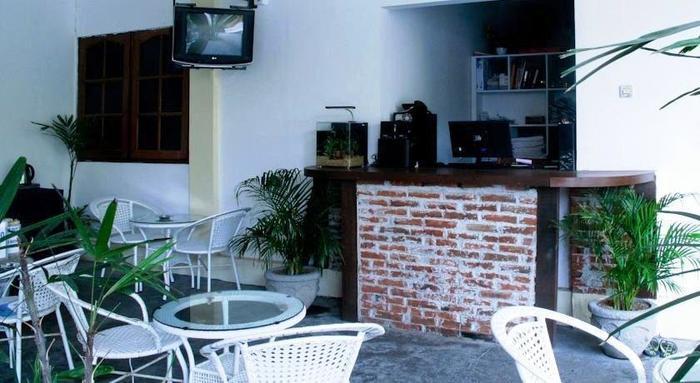 NIDA Rooms Dewi Sartika 4 Tuban Kuta Bali - kafe