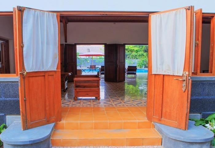 Maharani Villa Yogyakarta - Pintu