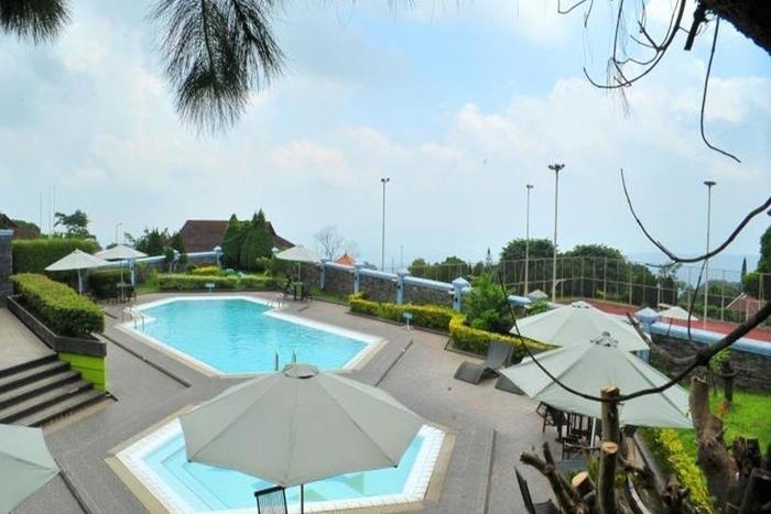 Amanda Hills Hotel Semarang - Kolam Renang