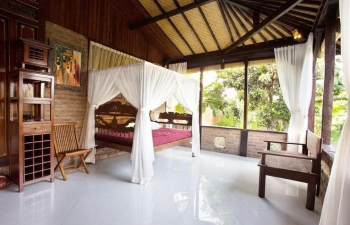 Kubu Ampo Villa Bali - Daybed